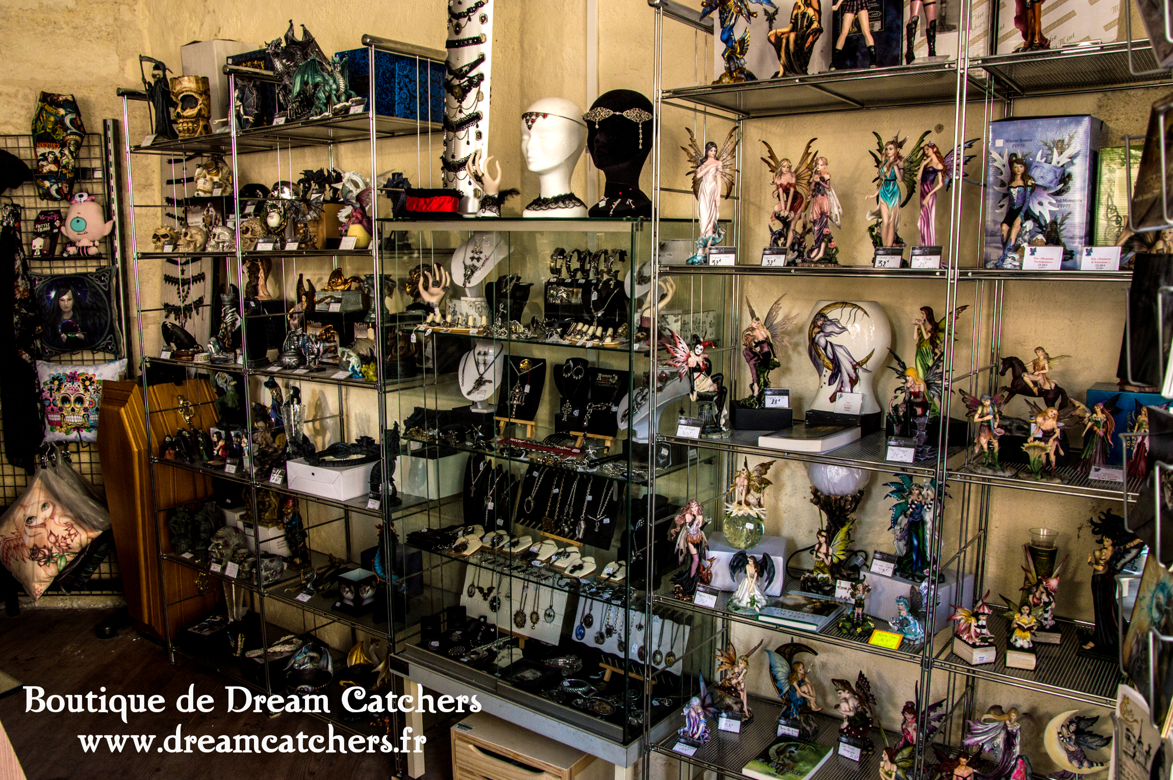 La boutique de Dream Catchers : rayon figurines