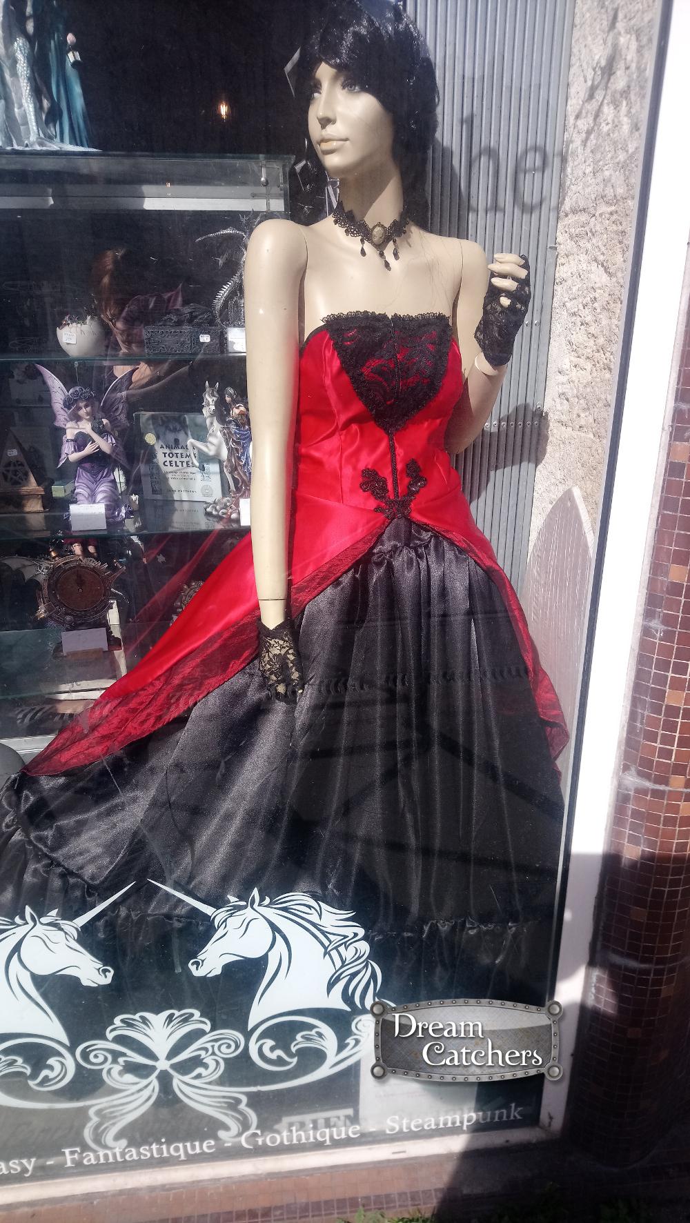 fcc163b5c920d Robe gothique   Reine des vampires